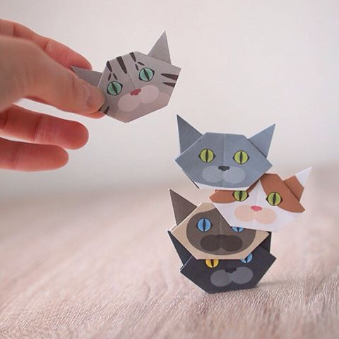 """How many cats can you stack?A new game! The Cat Tower!何にゃんまでいけるかな?新ゲーム!""""ねこタワー"""" ☞Check out """"Catchy-boutique"""" in our URL☞Follow: @catchyboutique☞tag: #catchy222 to share your photoshare your photo with catch goods#catsofinstagram #origami #catorigami#catchyboutique #origamicat #shopify"""