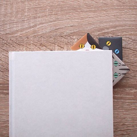 """Easy cute origami bookmark with Mini Catchy Origami.Mini origami has 6 types of cats inside, which means 6 types of bookmarks to choose from!Enjoy a book with your cat reading buddy for summer reading!:Catchyミニ猫折り紙は、簡単に可愛いブックマークが作れます。ミニ折り紙は6種類の猫がいるから、6種類のブックマークができます!好きな猫ちゃんと一緒に読書を楽しみましょう。:☞Check out """"Catchy-boutique"""" in our URL☞Follow: @catchyboutique☞tag: #catchy222 to share your photoshare your photo with catchy goods:#折り紙 #cat #neko #ねこ #ネコ"""